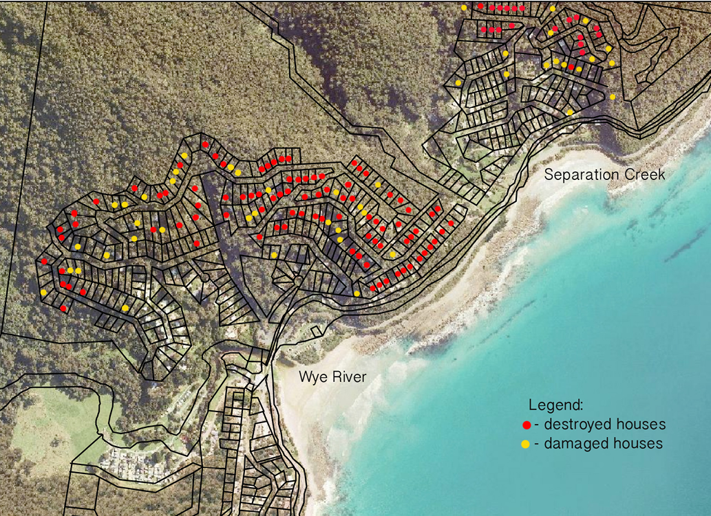 A map of destroyed and damaged houses in Wye River and Separation Creek. It shows a coastal area backed by forest; the majority of destroyed and damaged houses were further within the forest.